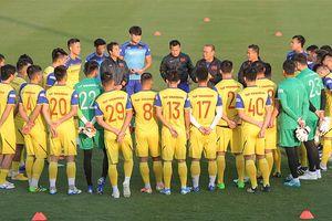 Chốt danh sách đội tuyển Việt Nam đấu UAE: Văn Đại và Trọng Hùng chia tay