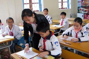 Tuyển dụng đặc cách giáo viên hợp đồng: Cần sự vào cuộc quyết liệt