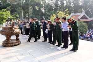 Nhiều Học viện của Bộ Quốc phòng chung tay trồng 2000 cây xanh 'Dâng Bác - Ơn thầy'