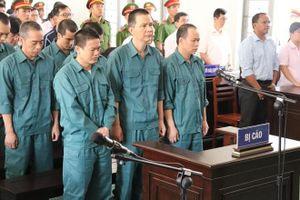 Bình Thuận: Bắt giám đốc liên quan đường đây buôn lậu xăng dầu 'khủng'