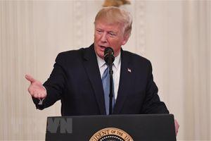 Tổng thống Mỹ cân nhắc sa thải quan chức nộp đơn tố giác lên Quốc hội