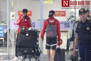 ĐTQG UAE có mặt ở Nội Bài, sẵn sàng cho mục tiêu giành trọn 3 điểm trước Việt Nam