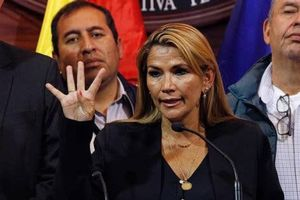 Bà Chavez tự tuyên bố trở thành Tổng thống lâm thời của Bolivia