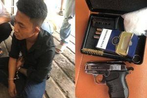 2 thanh niên 9X 'ôm' ma túy, súng đạn trong khách sạn ở TP.HCM