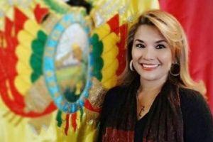 Chân dung nữ Tổng thống lâm thời Bolivia