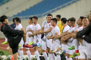 Công Phượng, Văn Hậu 'tươi rói' cạnh Quang Hải trước ngày đấu UAE
