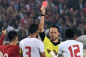 Trọng tài Nhật Bản chính xác khi rút thẻ đỏ cầu thủ UAE