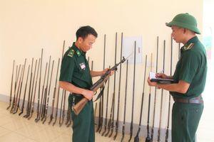 Vận động nhân dân giao nộp vũ khí, vật liệu nổ