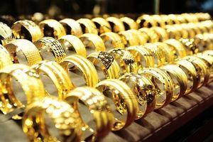 Giá vàng phục hồi trở lại sau khi FED thay đổi lãi suất