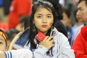 Những 'bóng hồng' tiếp sức cho đội tuyển Việt Nam ở sân Mỹ Đình