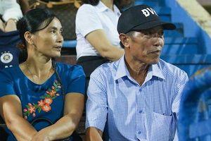 Trước trận Việt Nam – UAE: Bố cầu thủ Văn Hậu, Văn Toàn muốn nói gì với con trai?