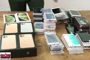 Quảng Ninh: Bắt giữ gần 100 điện thoại iPhone nhập lậu