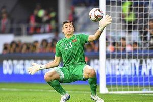 Thủ môn Đặng Văn Lâm đáp trả bất ngờ khi nghe HLV UAE đánh giá Việt Nam mạnh nhất bảng G?