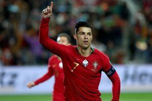 Ronaldo lập hat-trick, tuyển Bồ Đào Nha thắng 'set tennis trắng' để tiến sát vé dự Euro 2020