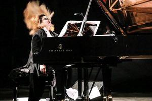 'Tiếng dương cầm bão tố' đối thoại cùng ca trù