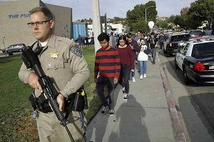 Nam sinh 16 tuổi xả súng bắn nhiều bạn học ở California