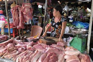 Thịt lợn gần 80.000 đồng/kg, tiểu thương khan hàng vì thương lái TQ