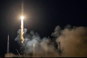 Mỹ chi gần bốn tỷ USD thuê Nga đưa các phi hành gia lên ISS