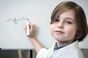 Thiên tài 9 tuổi 'siêu thông minh' tốt nghiệp đại học