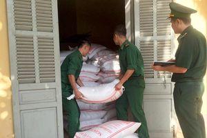 Thu giữ hơn 2,5 tấn đường cát nhập lậu