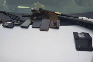 Hà Nội: CSGT kiểm tra xe chạy quá tốc độ, bất ngờ phát hiện ma túy đá trong xe