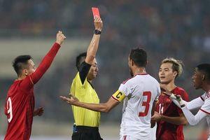Cựu trọng tài FIFA: 'Cầu thủ UAE bị thẻ đỏ là đúng, không thiên vị ĐTVN'