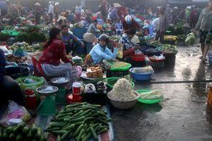 Chợ đặc biệt giữa thành phố Vị Thanh
