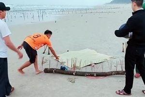 Xác người không đầu dạt vào bờ biển tại Quảng Nam