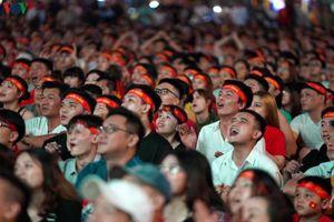 Người hâm mộ TP.HCM ngây ngất với chiến thắng của ĐT Việt Nam