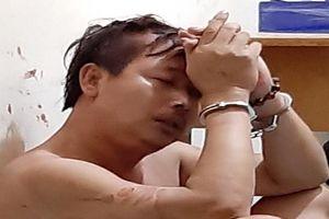Kẻ cướp tắt đèn, kề dao uy hiếp bà cụ 63 tuổi