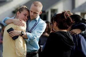 Ba sĩ quan ngoài ca trực lao vào cứu nạn nhân xả súng ở Mỹ