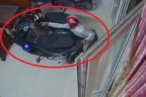 Lẻn vào nhà dân trộm xe máy ở TP.HCM