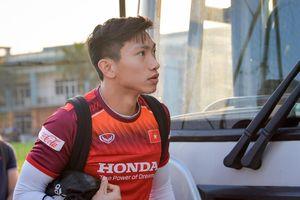 Văn Hậu lộ bắp tay vạm vỡ trước trận gặp Thái Lan