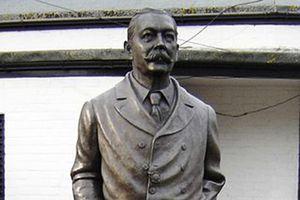 Arthur Conan Doyle – cha đẻ của thám tử Sherlock Holmes