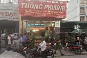 Truy bắt 2 đối tượng nổ súng cướp tiệm vàng giữa ban ngày
