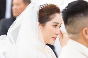 Sát giờ diễn ra hôn lễ, Bảo Thy căn dặn: 'Đừng ai khóc, cô dâu không muốn trôi lông mi giả'