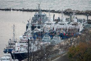 Nga rục rịch kéo pháo hạm của Ukraine qua eo biển Kerch