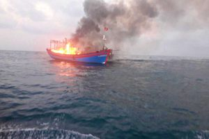 Kịp thời ứng cứu 7 thuyền viên trên tàu cá bị hỏa hoạn