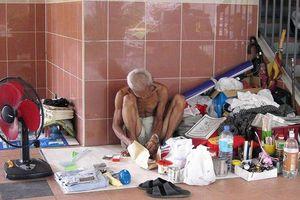 Góc tối sau tòa nhà cao ốc ở Singapore - Khoảng 1.000 người vô gia cư 'ngủ bụi' hàng đêm
