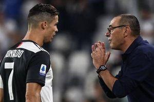 MU mua hậu vệ Serie A, Ronaldo chơi bài ngửa với Juventus