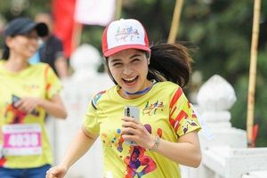 Hàng trăm 'Runner' tham dự giải chạy vì trẻ em vùng cao