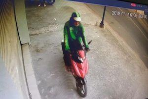 Mặc áo Grab rồi dàn cảnh hỏi đường táo tợn cướp xe máy của nữ sinh chỉ trong chốc lát