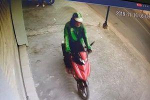 Kẻ gian mặc áo Grab giàn cảnh hỏi đường rồi cướp xe máy của nữ sinh
