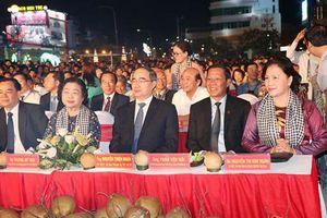 Chủ tịch Quốc hội Nguyễn Thị Kim Ngân dự khai mạc Lễ hội Dừa tỉnh Bến Tre lần thứ V năm 2019