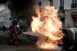 Biểu tình 'Áo vàng' quay lại, tái diễn bạo lực tại Paris