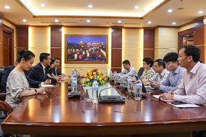 Huawei muốn hợp tác với siêu ủy ban Việt Nam: Thận trọng