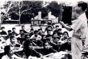 Ảnh quý giá về nhà giáo Việt Nam thời kháng chiến chống Mỹ