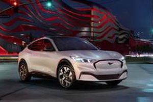 Chính thức ra mắt Ford Mustang Mach-E: to lớn như Santa Fe và nhanh hơn Porsche Macan