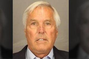 Gã chồng giết vợ bằng rìu bị buộc tội sau 37 năm cảnh sát không tìm ra bằng chứng