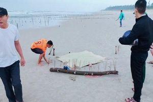 Vụ xác phụ nữ mất đầu tại bãi biển ở Quảng Nam: Tiết lộ về dòng chữ Trung Quốc trên bộ quần áo của nạn nhân